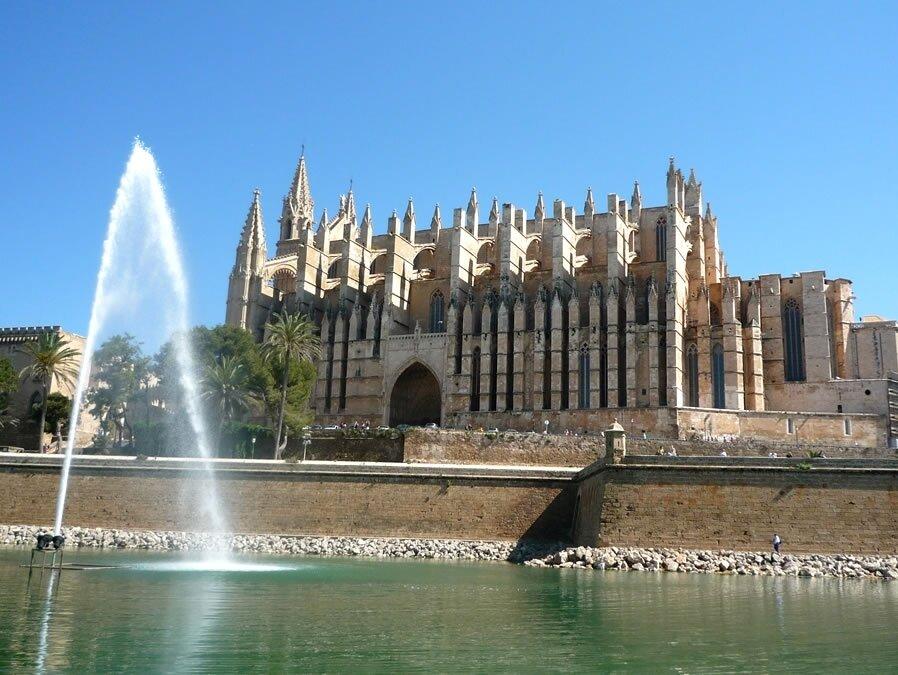 a photo of palma cathedral mallorca majorca