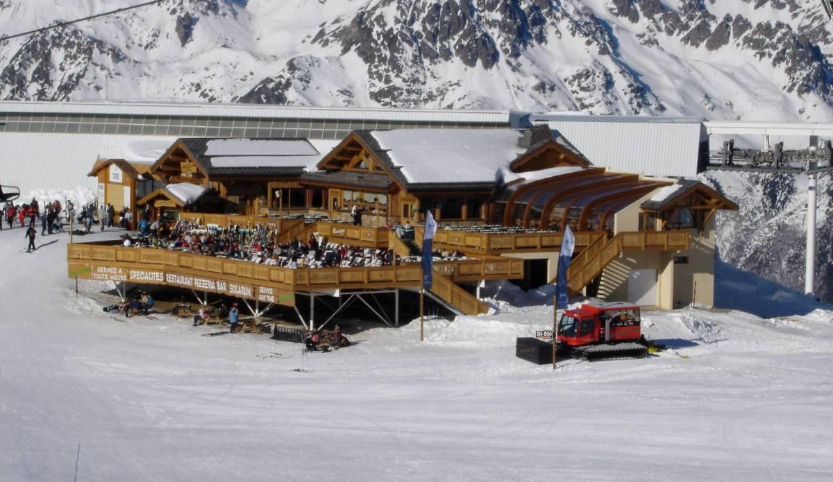 Chantebise 2100 Restaurant, Alpe d'Huez exterior