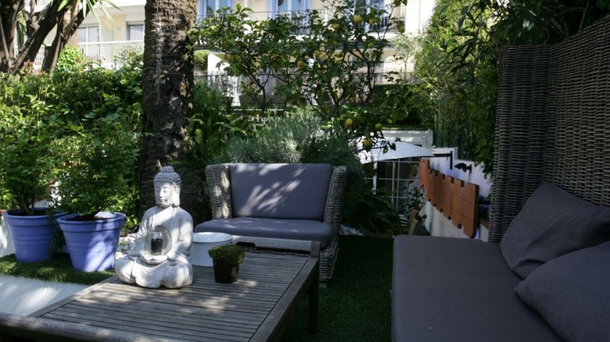 the terrace at hotel de provence in cannes