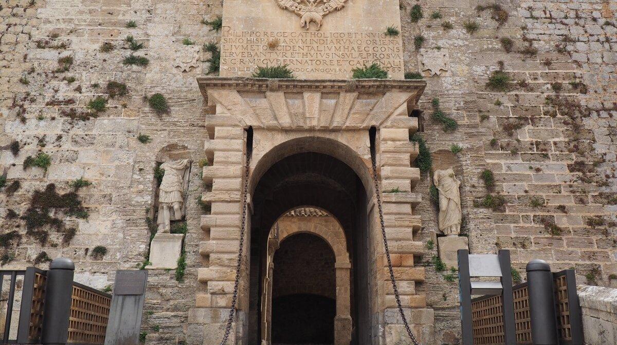 Portal de ses Taules in Ibiza Old Town