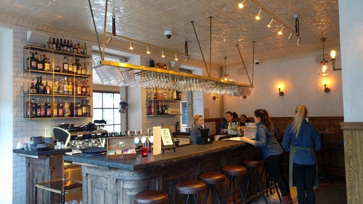 Chambre Neuf Restaurant, Chamonix Centre bar