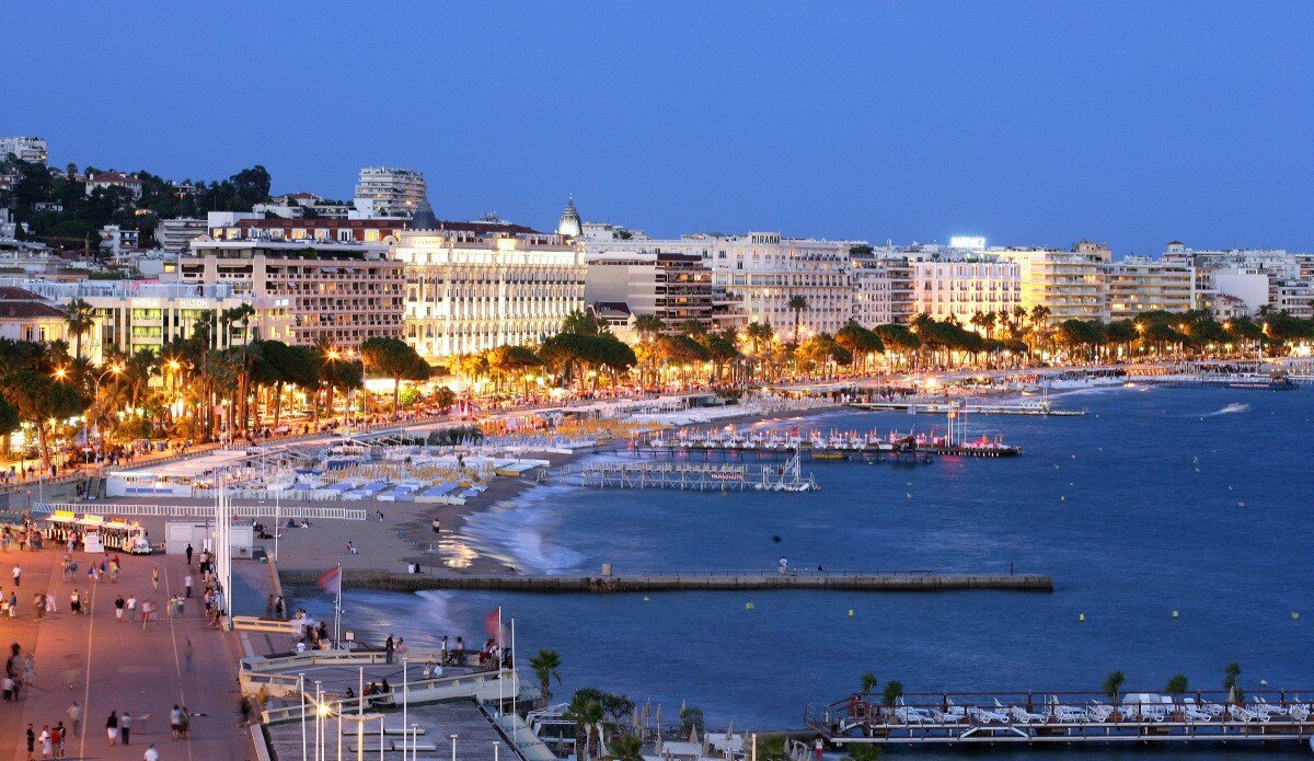 Plazas, Placas, Piazzas Cannes