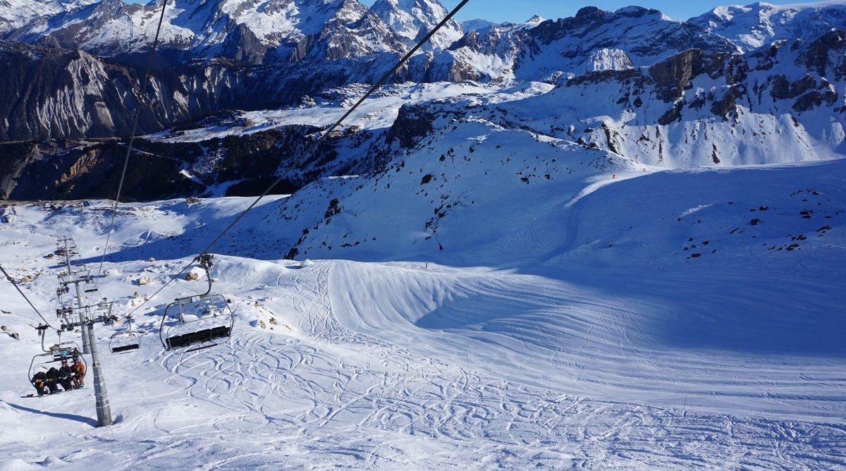 a ski lift in courchevel