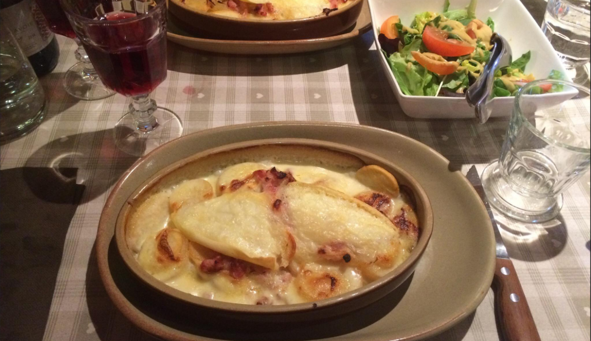 Au Montagnard Restaurant, Alpe d'Huez style of cuisine
