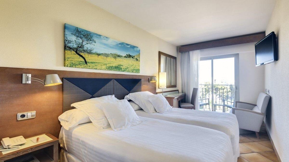 Occidental Hotel Playa De Palma Seemallorca Com