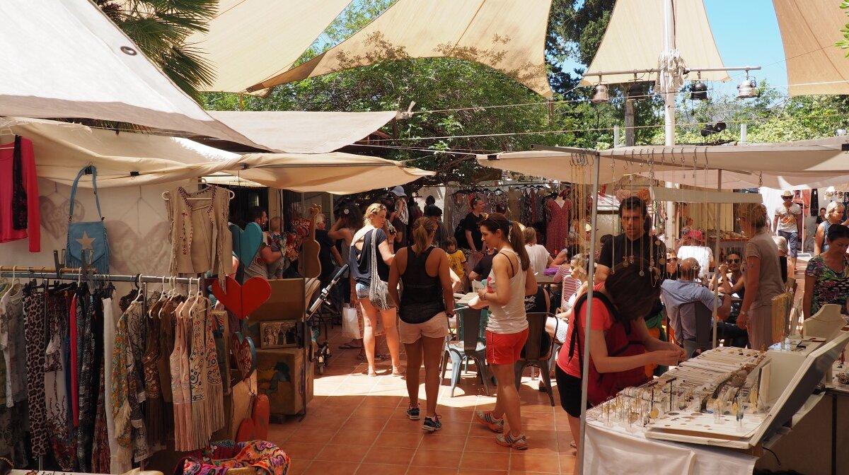 las dalias hippy market stalls in San carlos ibiza