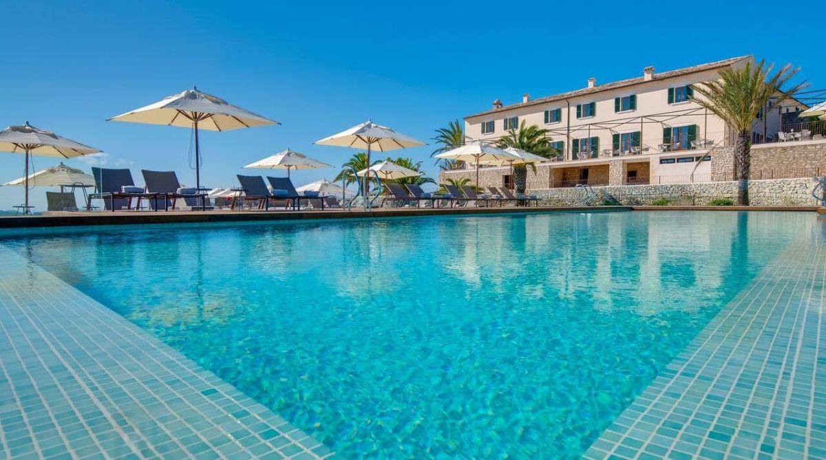 Carrossa Hotel Spa Villas, Arta outdoor swimming pool