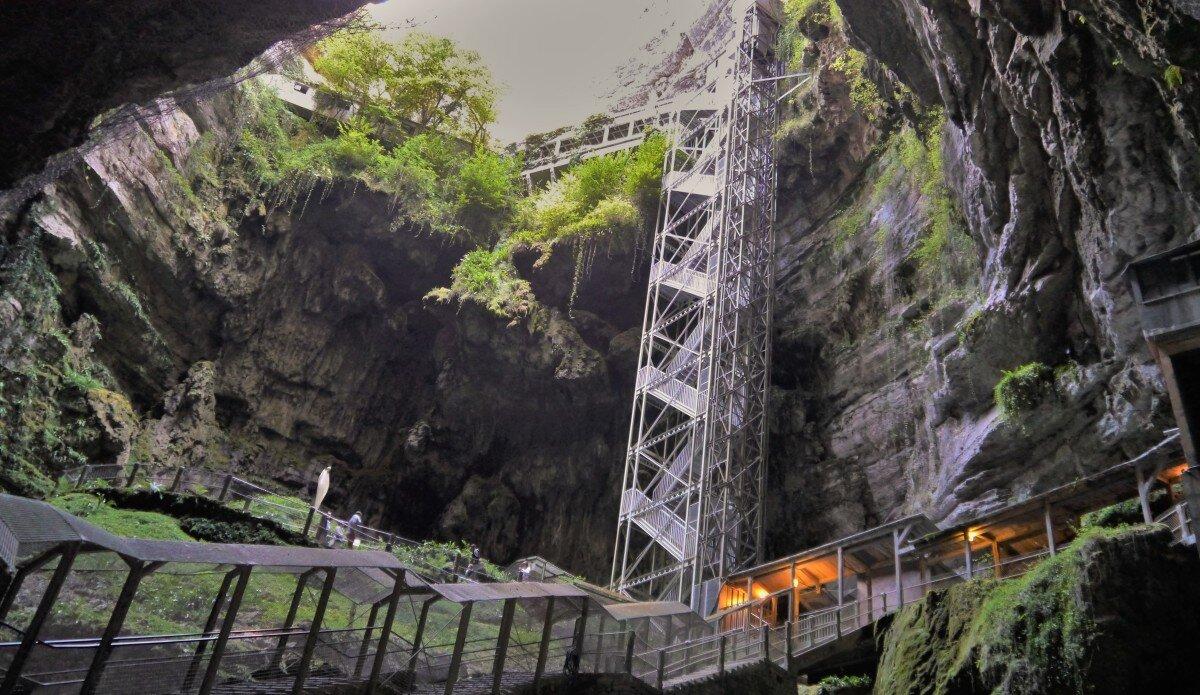 Caves & Rocks Dordogne