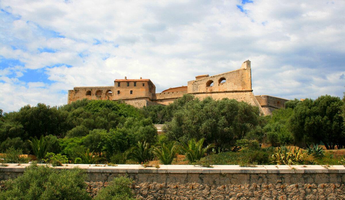 Castles & Ruins Antibes