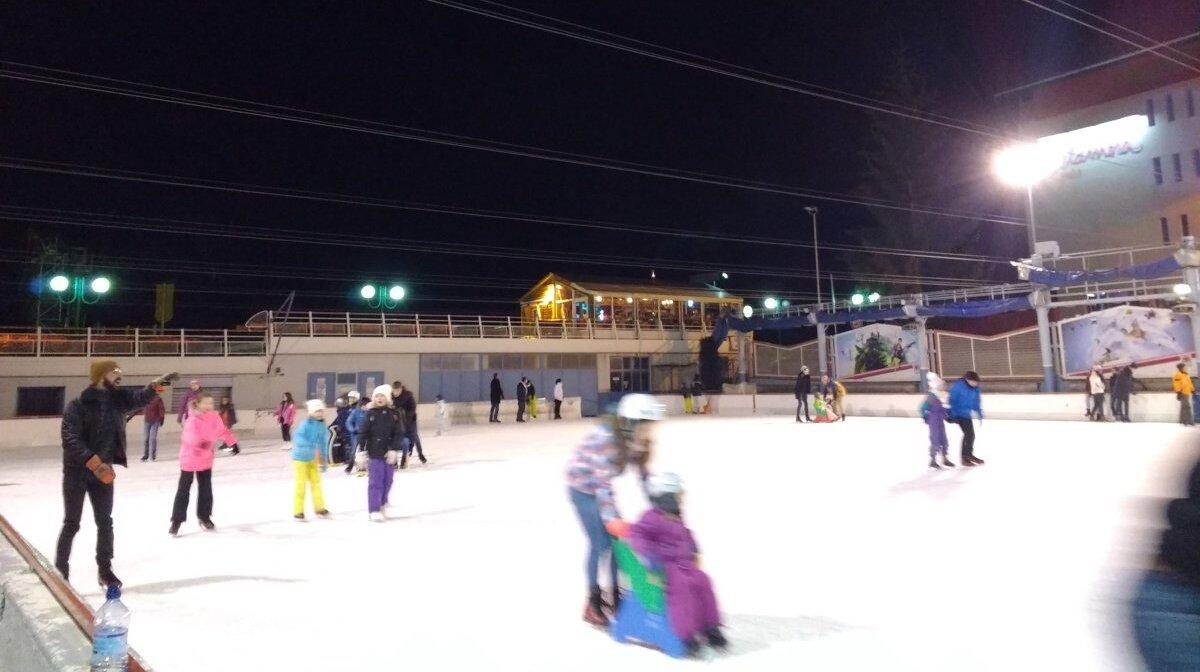 ice skating in 2 alpes