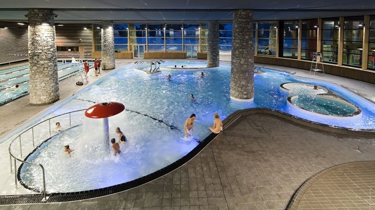 indoor swimming in val disere
