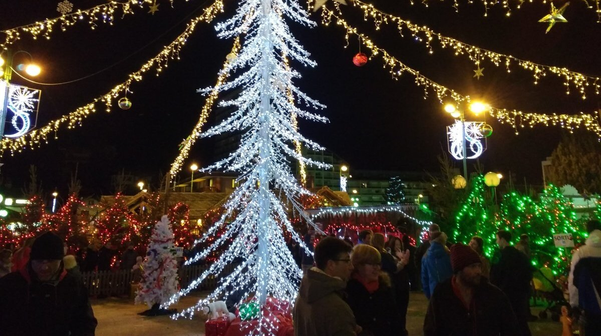 christmas lights in 2 alpes