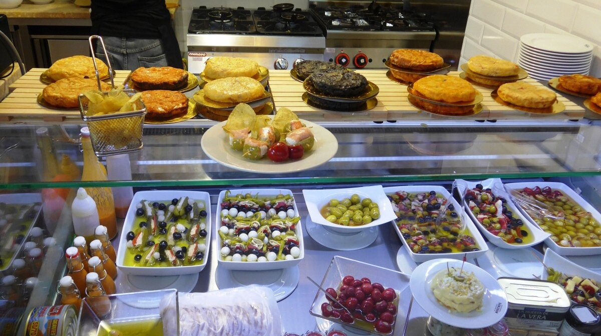 plenty of snacks at the food market in san juan