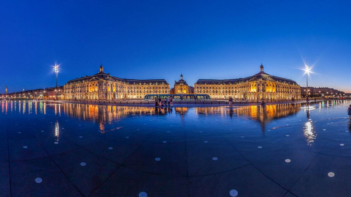 Plazas, Placas, Piazzas Bordeaux