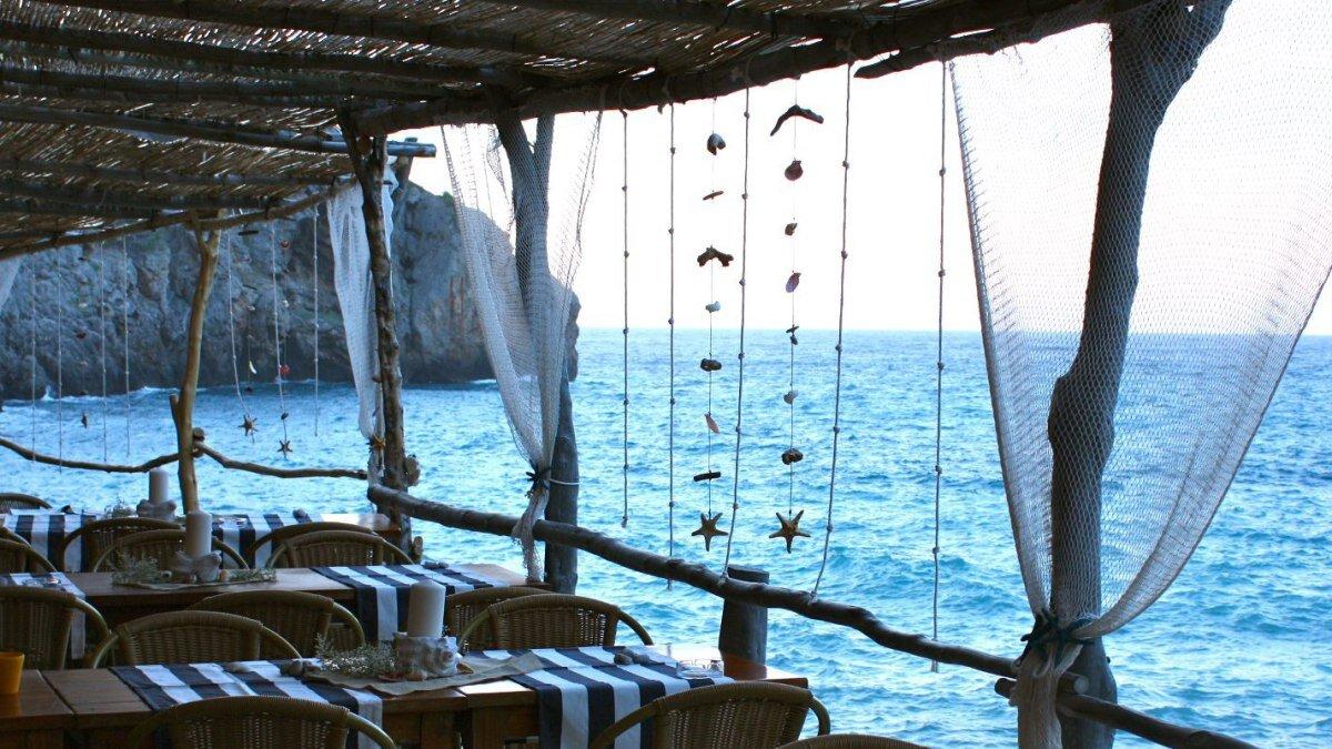 Ca's Patro March Restaurant, Deia restaurant terrasse