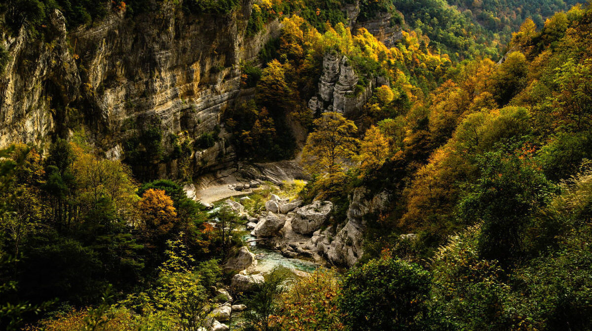 looking down into the gorges du verdon in the autumn