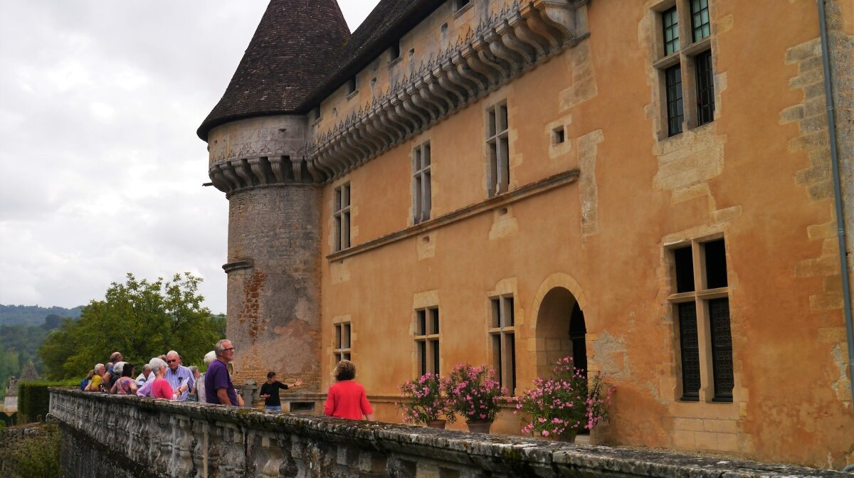 the terrace at the rear of the chateau de losse
