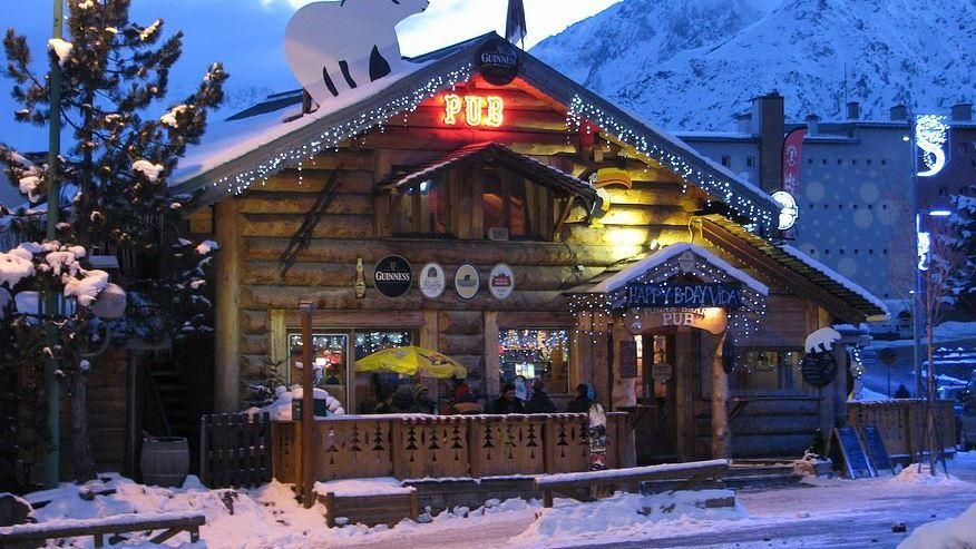 Polar Bear Pub, Les Deux Alpes exterior