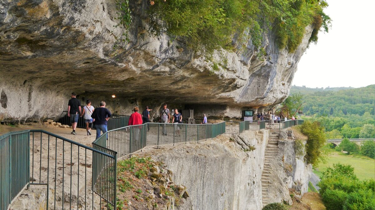 the caves at la roque saint christophe