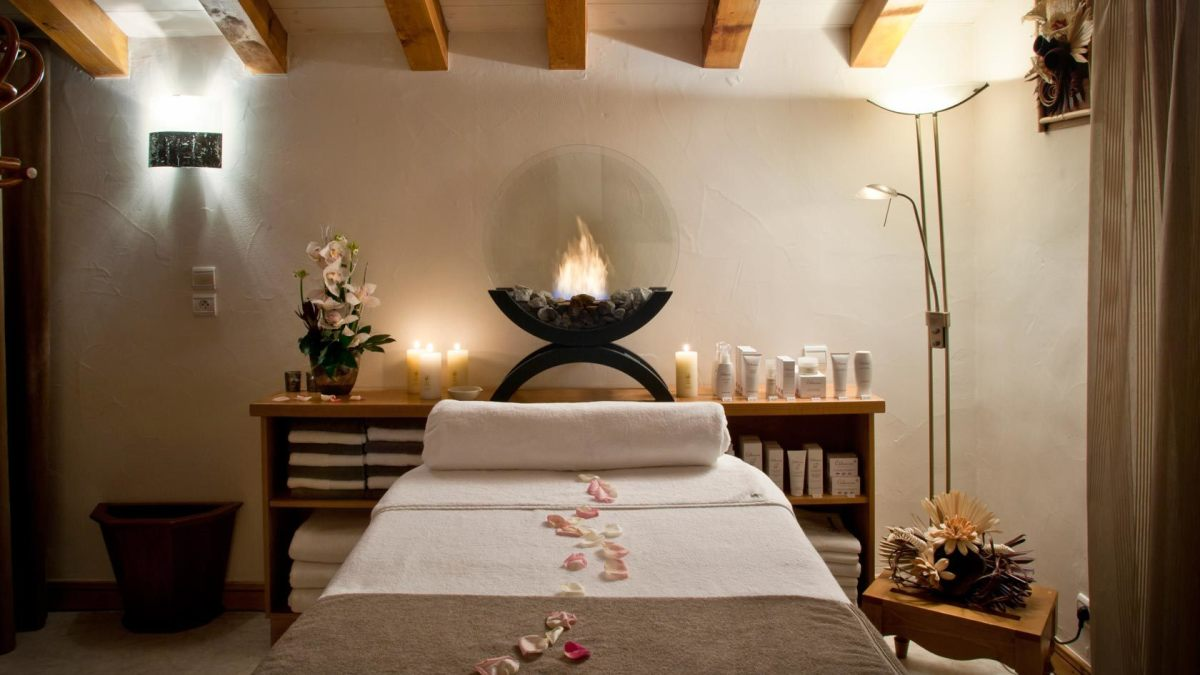 Les Sherpas Spa, Courchevel treatment room