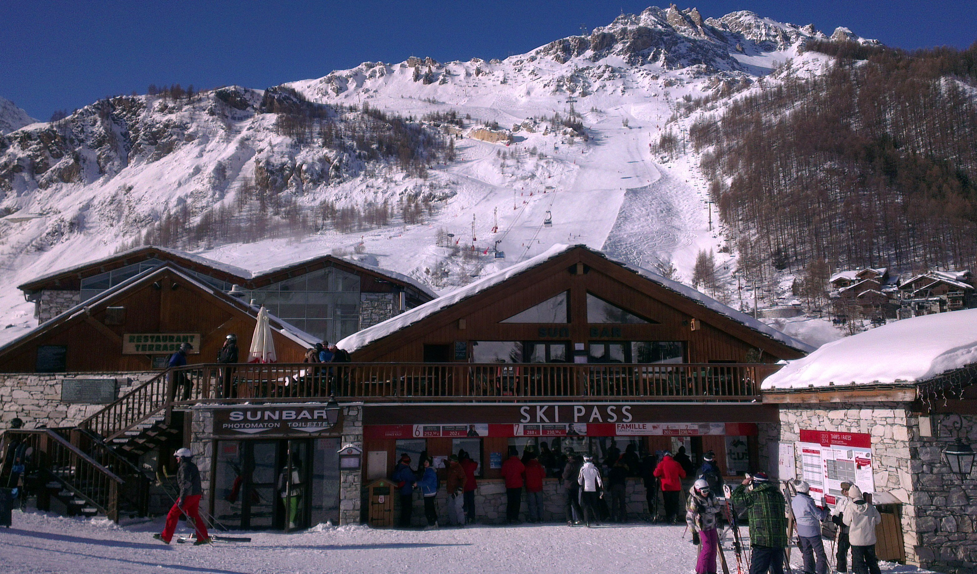 Ski/Lift Pass Offices Val d'Isere