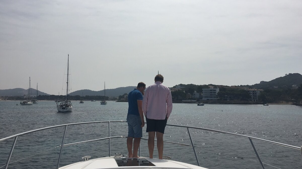 getting ready to anchor a motor yacht in mallorca