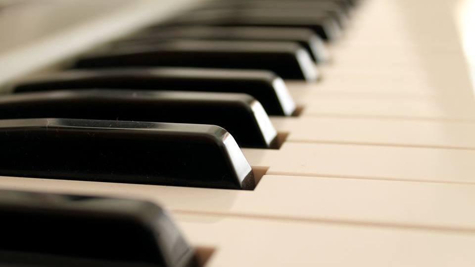 Wedding Singer & Pianist in Chamonix