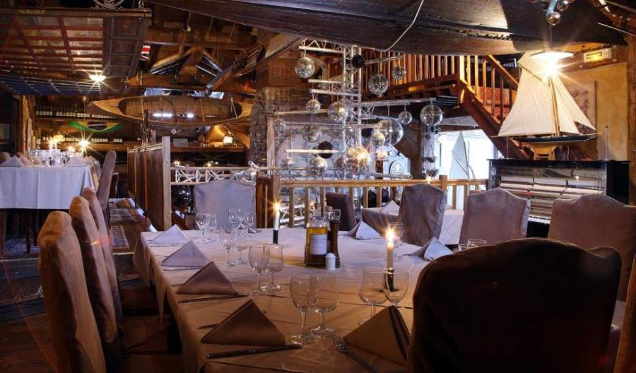 Le Cap Horn Restaurant, Courchevel  interior