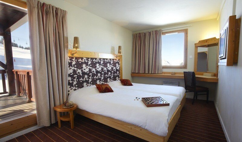 Top Hotels in La Plagne for any budget double bedroom