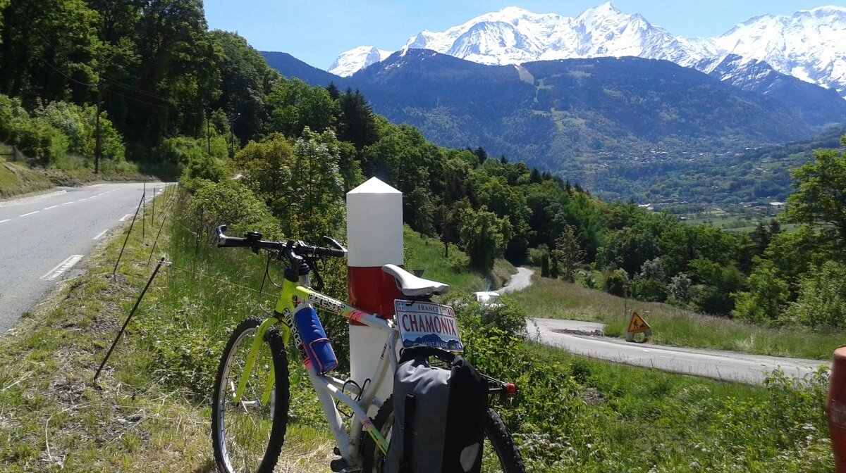 a mountain bike in view of mont blanc