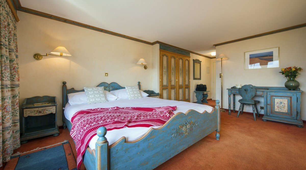 Top Hotels in Verbier for any budget double bedroom