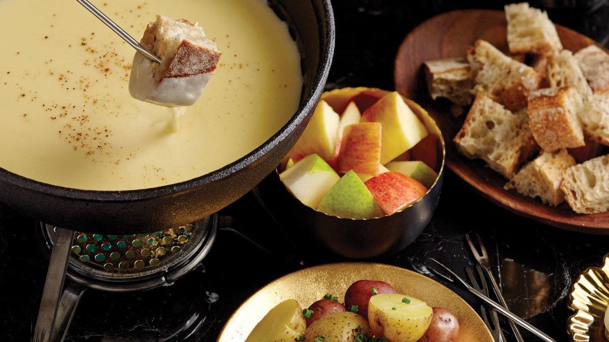 La Fondue en Folie Restaurant, Alpe d'Huez style of cuisine