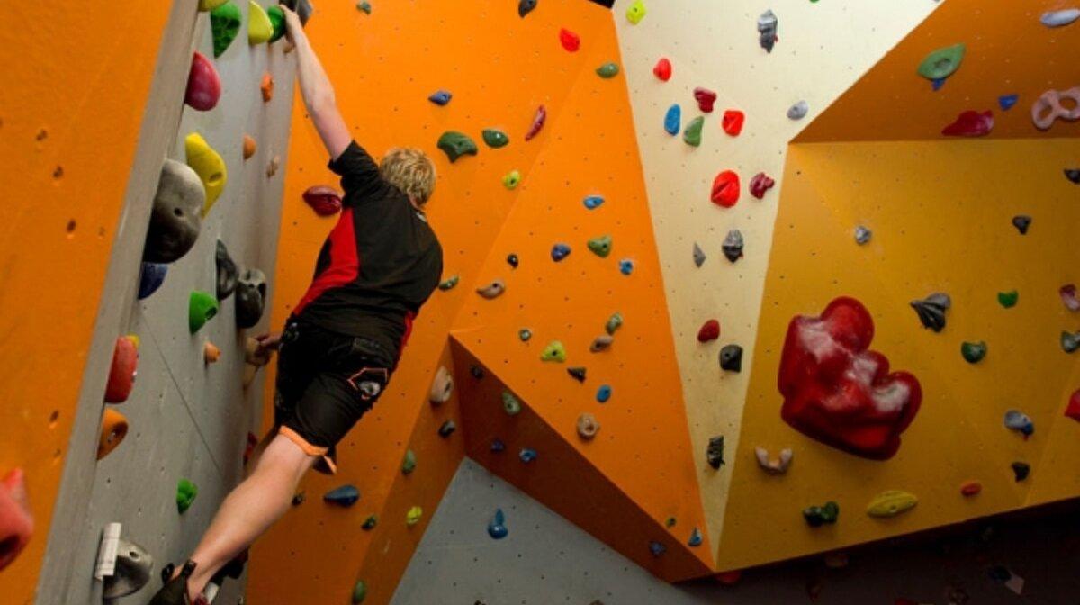 indoor climbing in alpe dhuez