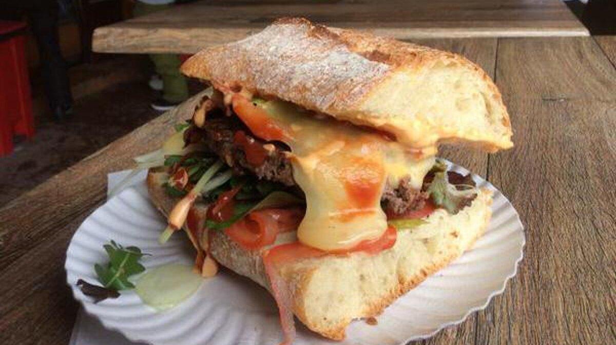 THE Mountain Burger, Meribel