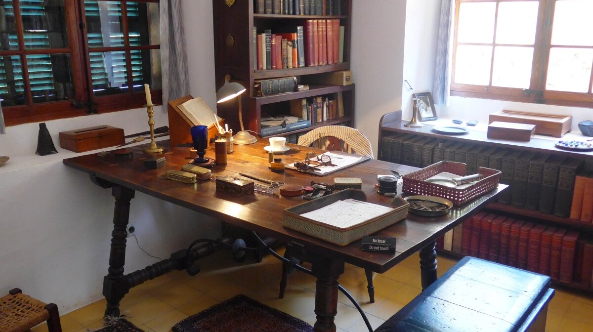 a writing desk