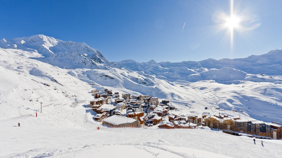 val thorens in winter