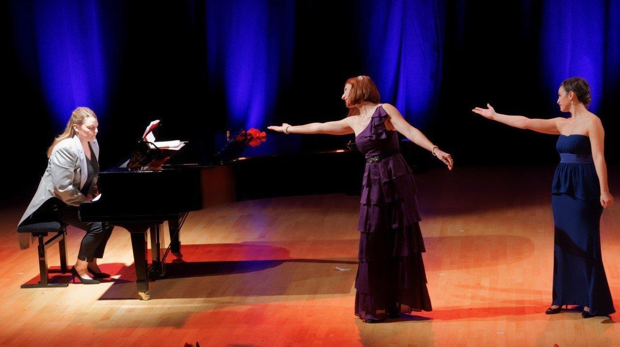 Performances at Theatre de l'Oulle, Avignon