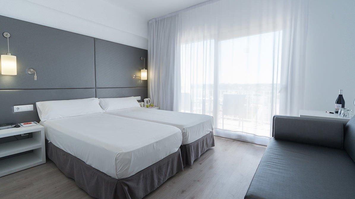Astoria Playa Hotel, Port d'Alcudia twin bedroom
