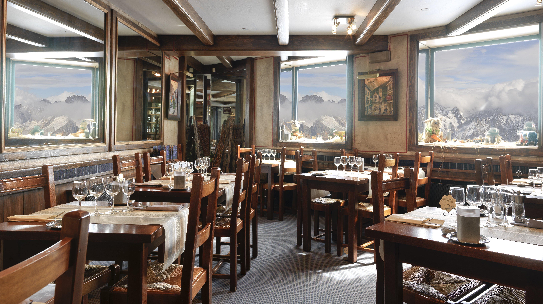 Le 3842 Restaurant, Chamonix interior