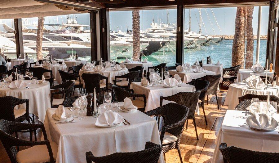 Flanigan Restaurant, Puerto Portals interior