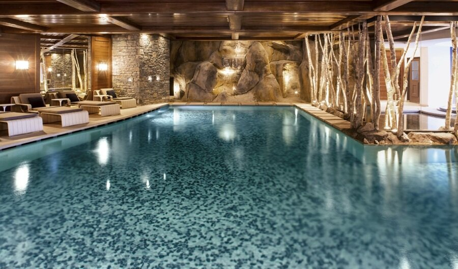 Ski time to Me time in Courchevel pool