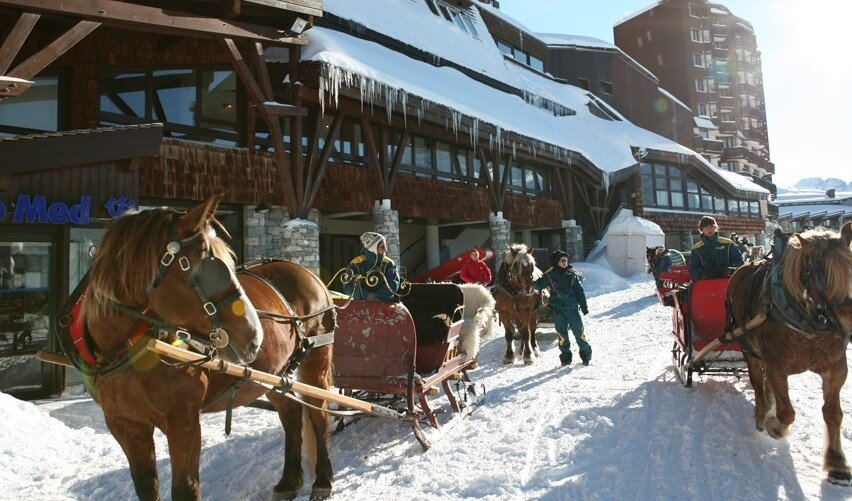 horses in avoriaz outside club med
