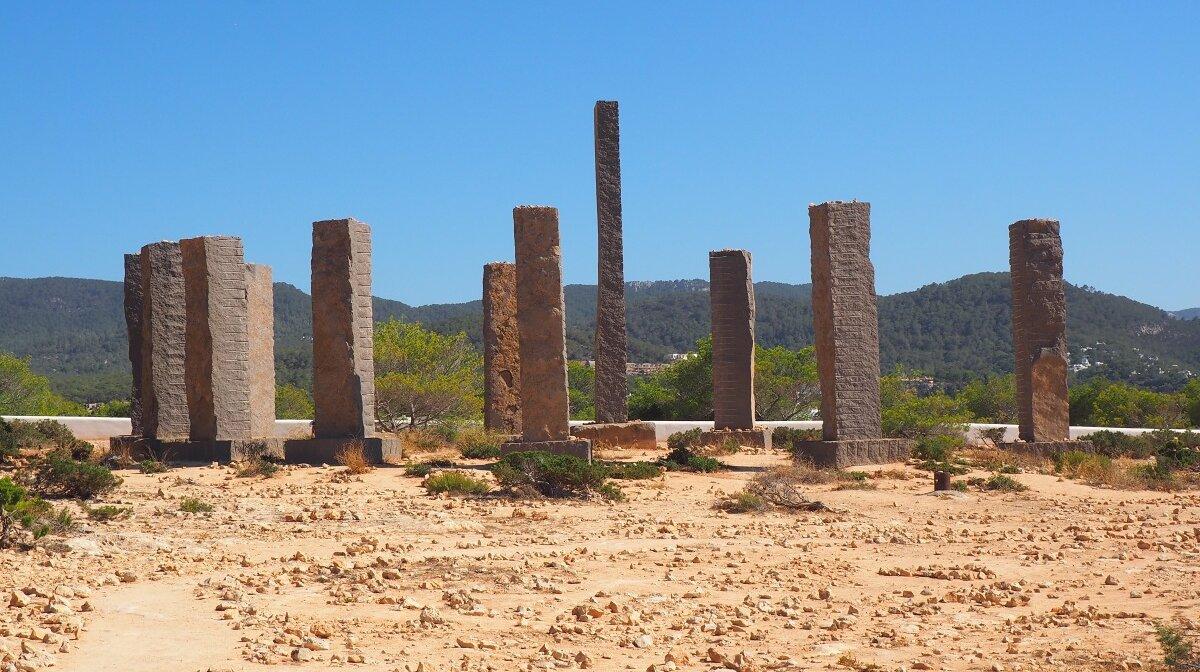 The thirteen stones of the sculpture above cala llentia