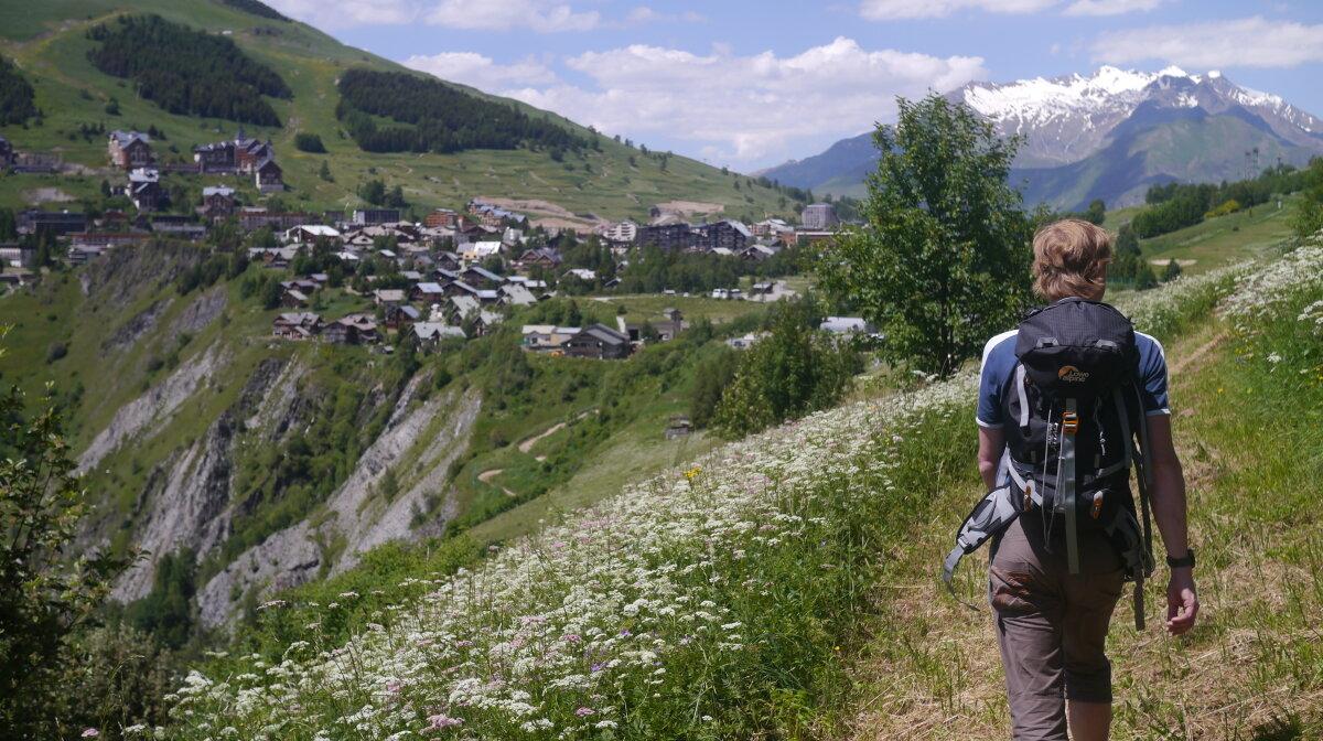 hiker in 2 alpes