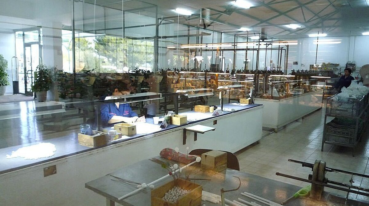 workshop in a Pearl factory in manacor mallorca
