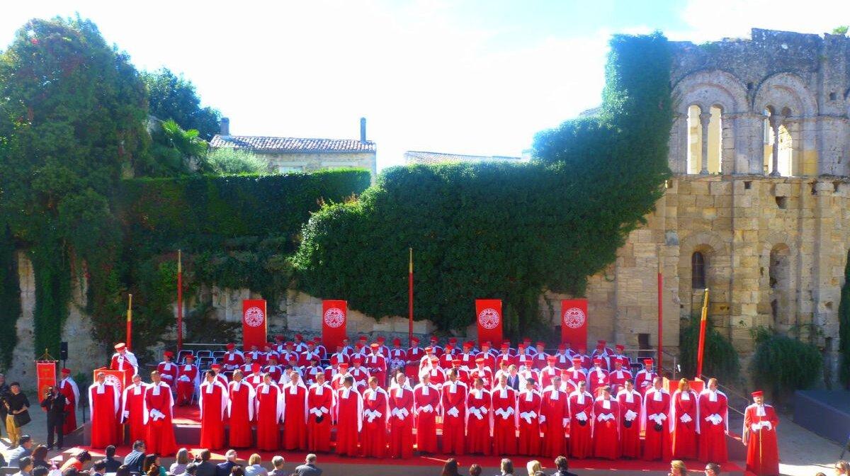 the jurade of Saint Emilion celebrating wine harvest